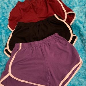 cute set of 3 no brand shorts with white outline